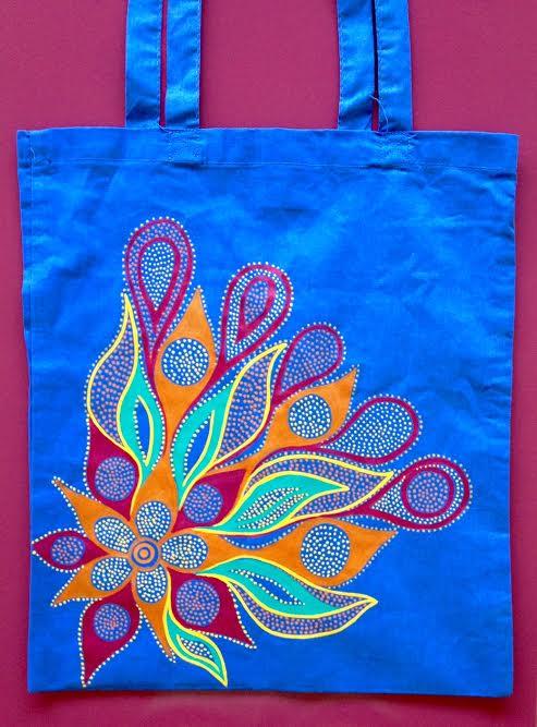 flor-al-viento-sobre-azul-1